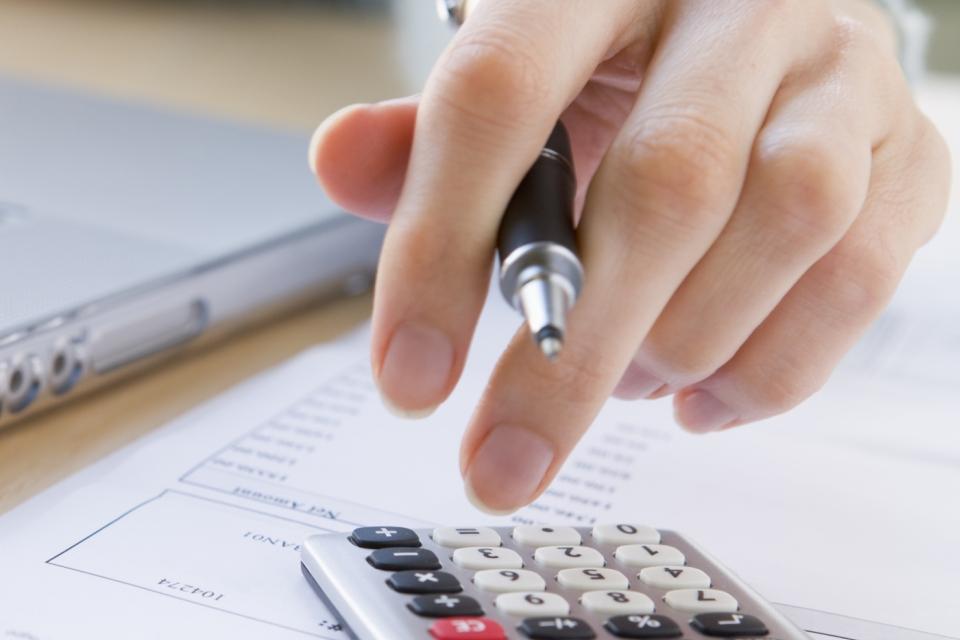 faktury - podatki - rozliczenia - biuro ksiegowe